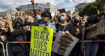 Массовые протесты в мире: в Лондоне ранили копов, а в Берлине задержали почти 100 человек
