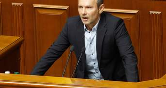 """Обрався – працюй: """"слуги народу"""" не хочуть відпускати Вакарчука з Ради"""