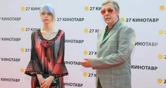 Дочь Ефремова обратилась к семье погибшего в ДТП и рассказала о своей жизни после аварии
