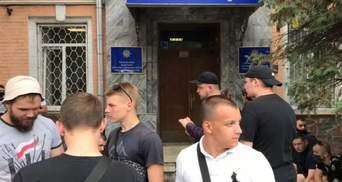 Посіпаки Шарія спровокували сутички з Нацкорпусом: поліція відпустила затриманих націоналістів