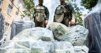 Подозреваемые ходили к священнику и гадалке: резонансные детали о взятке в 6 миллионов долларов