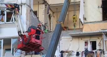 Взрыв на Позняках: работы внутри дома прекратили из-за угрозы обвала