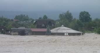 Ужасные паводки на Западе: Шмыгаль и Аваков вылетели на Прикарпатье