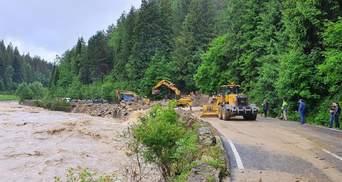 Из-за наводнения на Западе часть дорог перекрыли: куда лучше не ехать – карта