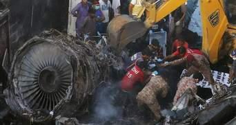 Пілоти обговорювали COVID-19: назвали можливі причини авіакатастрофи у Пакистані