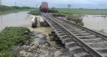 На Прикарпатье возобновили движение части поездов после непогоды