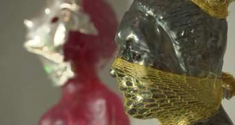 Мотивирован пандемией: скульптор представил впечатляющую выставку в Чехии