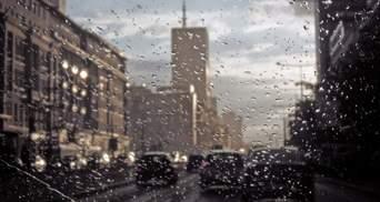 Після України зливи пішли на Польщу: затопило всю Варшаву – відео
