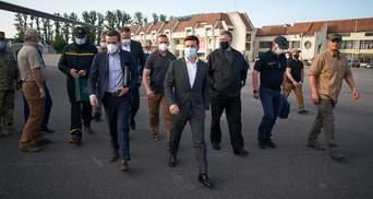Главное – не опускать руки: Зеленский показал видео из поездки на Прикарпатье и Херсонщину