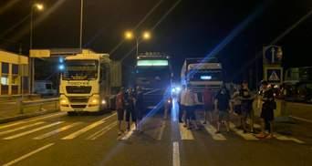 Водители фур снова бунтуют из-за весового контроля: перекрывали трассу Одесса – Киев