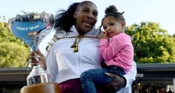 Экс-первая ракетка мира Серена Уильямс потренировалась с двухлетней дочерью: милое видео
