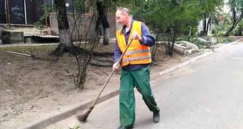 Підіймають пилюку: депутат на Запоріжжі хоче заборонити двірникам прибирати вулиці зранку
