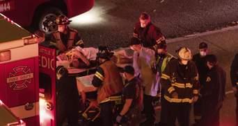 В США автомобиль въехал в митингующих: есть жертва – видео 18+