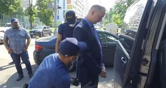 ФСБ задержала экс-журналиста Сафронова по обвинению в госизмене и работе на НАТО – видео
