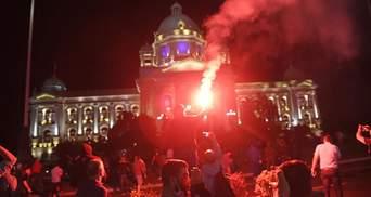 В Сербии продолжились протесты, оппозиция второй раз штурмовала парламент: видео, фото