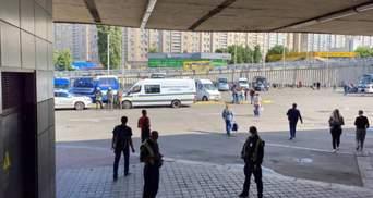 Повідомили про замінування Центрального автовокзалу у Києві: фото