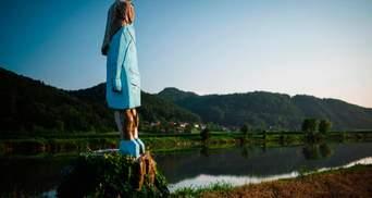 Дерев'яну скульптуру Меланії Трамп спалили у Словенії: фото і подробиці