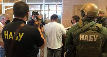 НАБУ и САП сообщили о подозрении гражданину, который пытался подкупить главу ФГИ Сенниченко