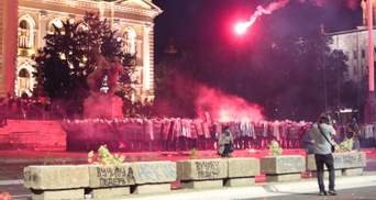 Массовые протесты в Сербии: 70 арестованных, власти ведут переговоры с Косово