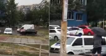 """Невідомий заявив про """"мінування"""" житлового будинку в Києві: що відомо"""