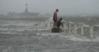 """Ханна"" ударила по США: мощный ураган добрался до побережья Техаса – видео"