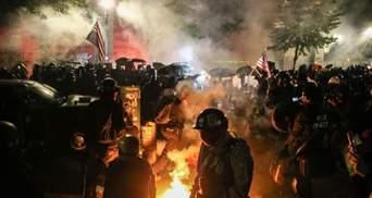 В Портленде продолжают протестовать: полиция применила слезоточивый газ – фото, видео