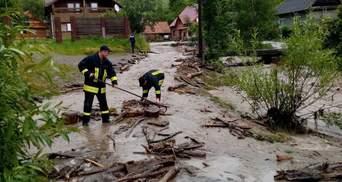 Паводок на Закарпатті: через сильні зливи знову затопило декілька сіл – фото