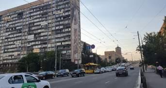 В Киеве временно отключили свет: на дорогах транспортный коллапс, из ТРЦ эвакуировали людей