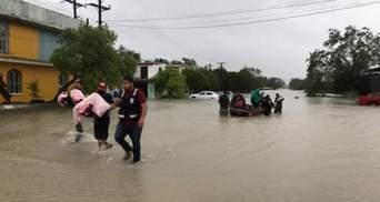 """""""Ханна"""" забирає життя: у Мексиці є загиблі внаслідок удару урагану – фото, відео"""