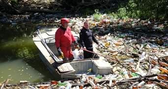 На реке Боржава мусорный затор: спасатели вытащили более 110 кубических метров мусора