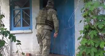 Покинуті будинки на Донбасі стають складами боєприпасів: фото, відео