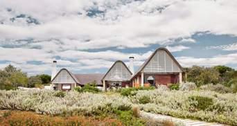 Солом'яні дахи та білі стіни: як виглядає осучаснене традиційне житло в ПАР – фото