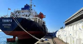 """Більше ніж у Бейруті: в порту """"Південний"""" біля Одеси лежать тонни аміачної селітри – фото, відео"""