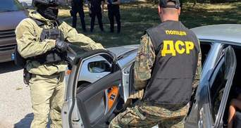 Спецназ поліції спіймав кілера зі списку Інтерполу: в чому його підозрюють – фото