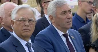 """Главного """"коммуниста"""" Украины Симоненко заметили на """"победной"""" конференции Лукашенко"""