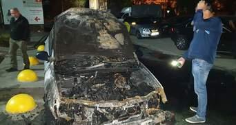 """Неизвестные ночью сожгли авто журналистов """"Схем"""": при чем тут Портнов – фото"""