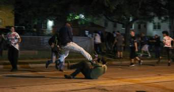 В США продолжаются протесты из-за ранения копами темнокожего: есть погибшие, раненый