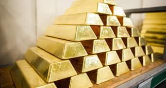 Золото почало дешевшати на тлі останніх даних щодо світової економіки: що відомо