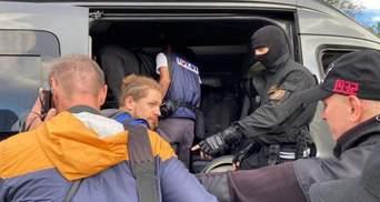 У Білорусі затримали 50 журналістів: кореспондента зі Швеції депортували