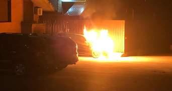 "Депутату от ""Слуги народа"" Гео Леросу подожгли машину: видео, фото"