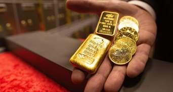 Золото й долар ростуть, акції падають: що відбувається на ринках