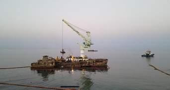 Затонулий танкер Delfi: розпочався фінальний етап підготовки до буксирування