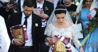 Анастасія Приходько показала романтичні світлини з вінчання, яке відбулось рік тому