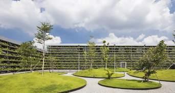 Тропічна архітектура: у В'єтнамі створили ферму просто на фасаді заводу – фото