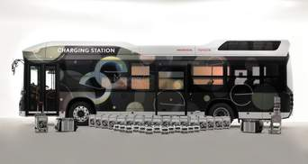 Toyota и Honda разработали автобус-электростанцию на 454 кВт / ч