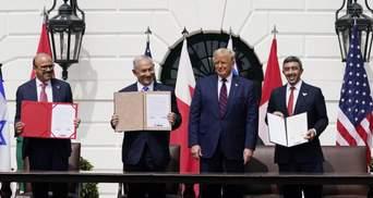 """Ізраїль, ОАЕ і Бахрейн підписали """"Угоду Авраама"""": що це означає та що відомо про її зміст"""