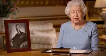 Королева Єлизавета ІІ позбавила Гарві Вайнштейна почесного звання