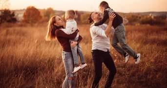 Alyosha покорила сеть семейной прогулкой: милое видео