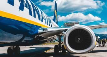 Ryanair тимчасово скасувала штрафи за перебронювання квитків: деталі