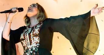 Струнка Адель обрала мінісукню від українського бренду: фото зі світського заходу